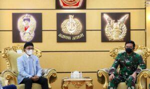 Menkomnfo-temui-panglima TNI.jpg
