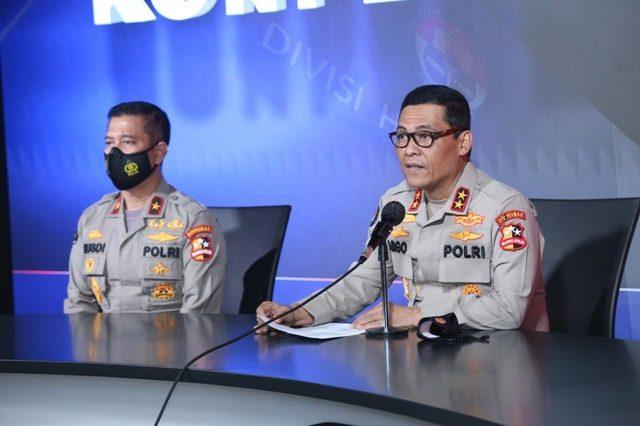 Polri Targetkan Vaksinasi Massal Serentak 1 Juta di Seluruh Indonesia Besok.jpg