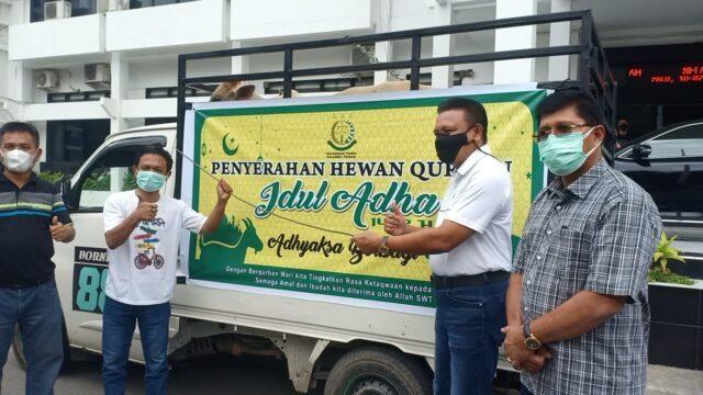 Sambut Idul Adha 2021, Kejati Sulteng Berbagi 9 Ekor Sapi Kurban.jpg